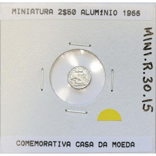 Miniatura de moeda de 2$50 1966 em alumínio, emissão da Casa da Moeda para promoção de eventos